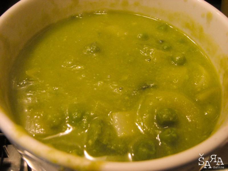 Sopa de ervilhas com Alho françes