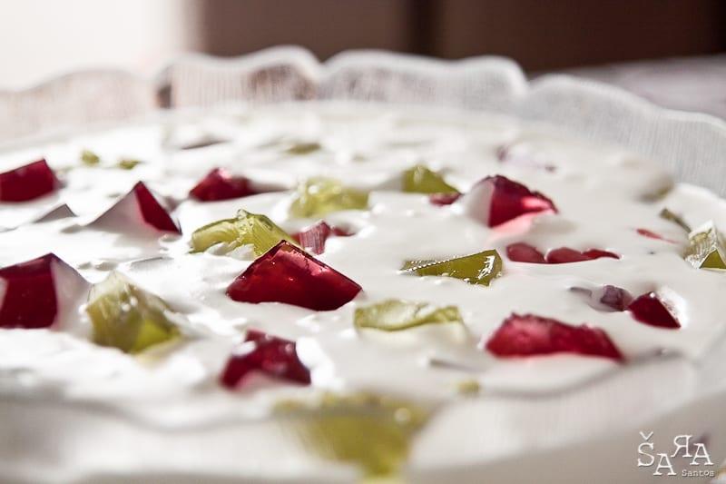 Doce de natas com gelatina