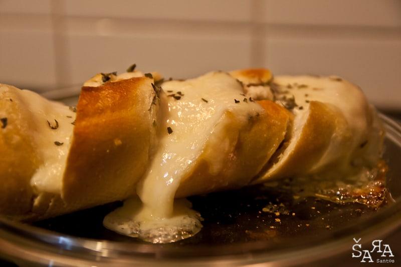 Pão de alho com mozzarella
