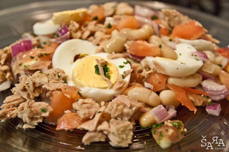 Salada de atum e feijão branco