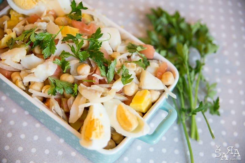 Salada de bacalhau com grão