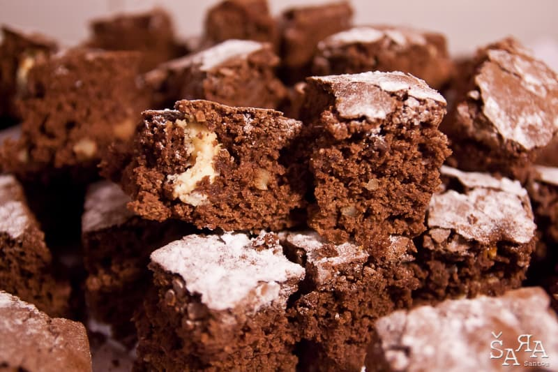 Brownies de dois chocolates e nozes