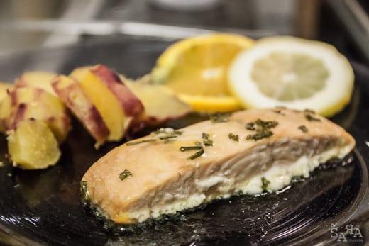 Salmão no forno com molho de citrinos