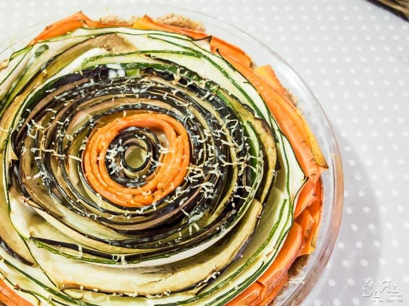 Quiche de legumes em forma de flor