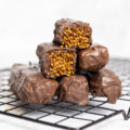 Barras de chocolate com cereais tufados